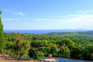 Propriété de charme avec vue mer panoramique à vendre à Gass...