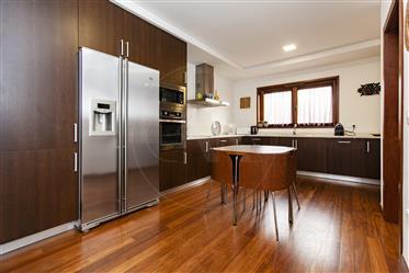 Casa: 245 m²