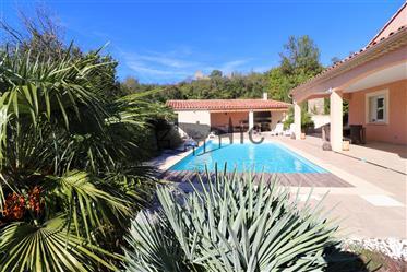 Villa De Plain Pied Avec Pisicne Sur 1124M² De Terrain