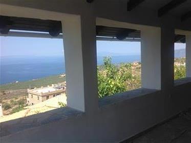 Venta privada: casa con apartamento independiente en el sur del Peloponeso (habla francés