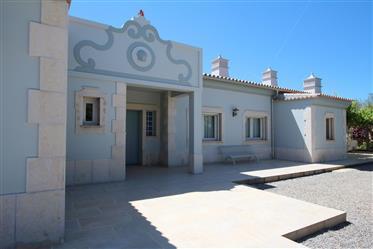 Πολυτελής Βίλα με 5 δωμάτια με θέα θάλασσα & Μαρίνα κοντά