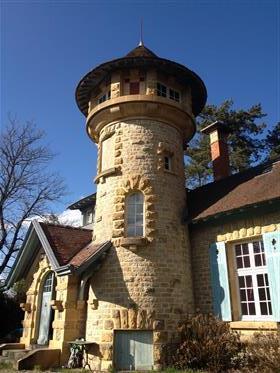 Bourgogne - beau petit château