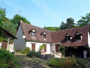 Magnificent 4-bedroom house overlooking the Eure valley