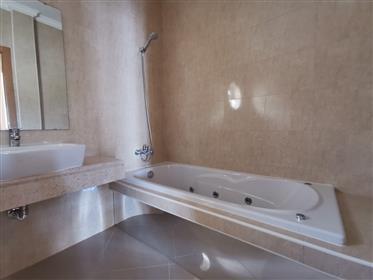 Fantástica Moradia T4 com piscina no Carvalhal - Bombarral
