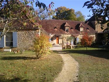Bela propriedade de Perigourdine + turismo rural