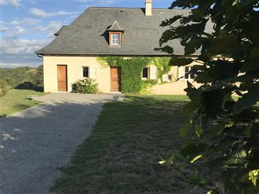 Quiet, modern & light with superb views in Auvergne