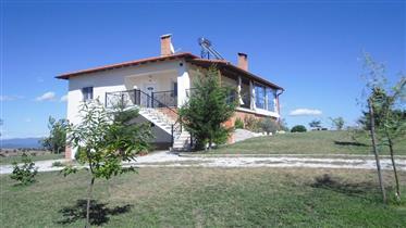 Villa rural com casa de hóspedes + ampla área de piscina