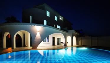 House: 184 m²