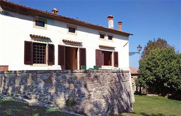 Η βίλα της Τοσκάνης και αγροικία κοντά Φλωρεντία, Τοσκάνη