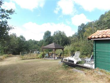 20 mins North West of Saintes, Charentaise with 3 barns and seperate garden
