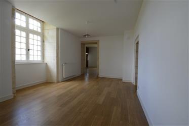 Proche Saintes A Vendre Appartement De 132 M²