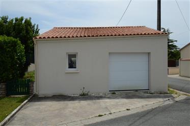 Near Saintes for sale Charentaise house, garden, garage