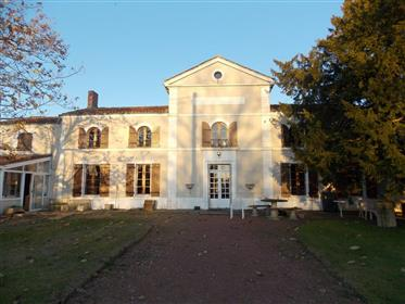 St Jean D Angely For Sale Charentaise House With Outbuildings