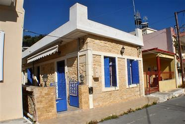 Πέτρινο σπίτι 2 υπνοδωματίων. Μεγάλη ταράτσα-Ανατολική Κρήτη