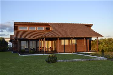 Vivenda: 307 m²