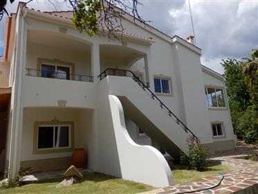 Twee separate huizen in verbazingwekkende 2,75 hectare