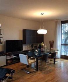 House: 210 m²