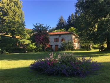 Ruhiges Hotel im ländlichen Frankreich