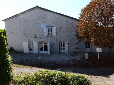 Oud prachtig gerenoveerd huis