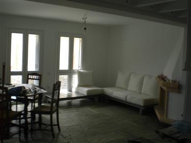 Κατοικία : 113 τ.μ.
