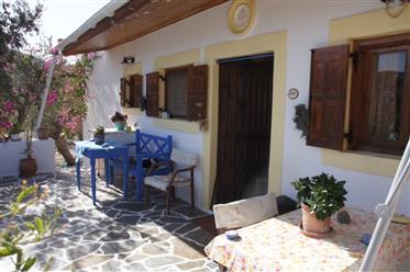Καλά διατηρημένο σπίτι με ελαιώνα στην Ελλάδα, το νησί της ΚΑΡΠΆΘΟΥ