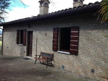 Vera Occasione: Vendesi Villetta Rustico/Casale A Urbino, Con Giardino Privato E Appezzamento Di Ca.