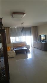 Apartamento de 5 habitaciones en venta en Marina Ashdod