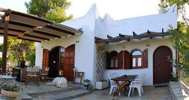 Casa de vacaciones tradicional griega