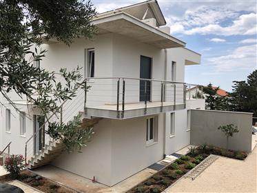 Nouvelle villa moderne sur la côte Adriatique