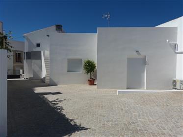 Moderna Villa adosada de 3 dormitorios en São Bras con piscina privada climatizada de agua salada