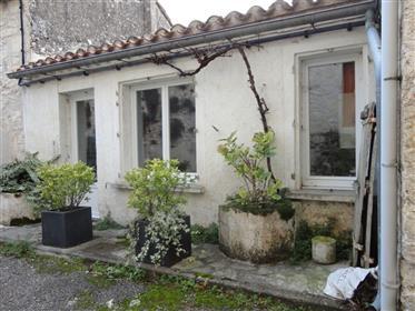 Charmante Maison De Village Avec Terrasse Et Jardin Non Atte