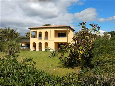 Maison : 156 m²