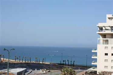 Sea view apartment (110m2)