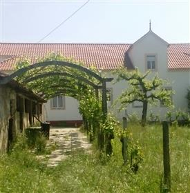 Beautiful imposing estate in central Portugal with 8454m2 of...