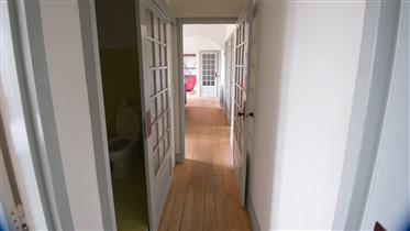 Υπέροχο διαμέρισμα στο κέντρο της πόλης του Πόρτο, ιστορικό κτήριο, καλά διατηρημένο