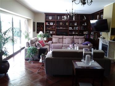 Εξοχική κατοικία προς πώληση