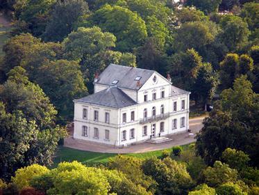 Luxus-Immobilie: 700 m²