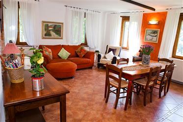 Appartamento con 2 camere da letto nella storica villa toscana