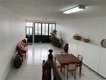 Excelente oportunidade - Moradia no centro da Vila de Izeda