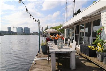 Water villa on the Amstel
