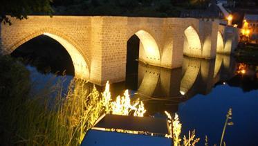 """Maison individuelle dans un endroit calme dans le """"vert"""" Aveyron."""