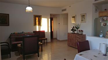 Ένα μοναδικό διαμέρισμα, ένα μέρος του αποκλειστικού έργου! Τζαφά St. 155.11Th όροφος. προς πώληση