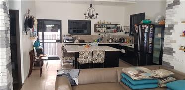 Erstaunliche Wohnung, Hell, 233qm, Zentrale Lage!!!