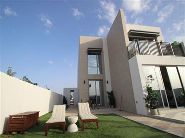 Independent villa for sale by Emaar