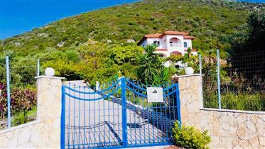 Όμορφη βίλα κοντά στο νησί της Λευκάδας