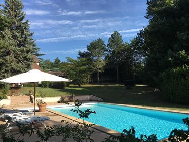 Schönes Haus mit Pool