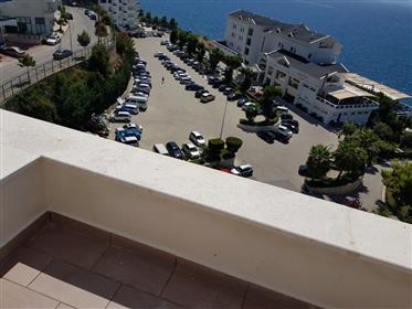 Luxury Flat προς πώληση με θέα στη θάλασσα στους Άγιοι Σαράν...