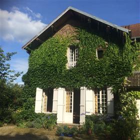 Unique town villa in Arbois (Jura)