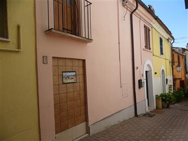 Stadthaus im historischen Zentrum von Spoltore, Abbruzo