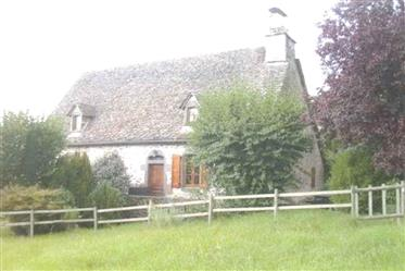 Typisches traditionelles Haus in der Auvergne